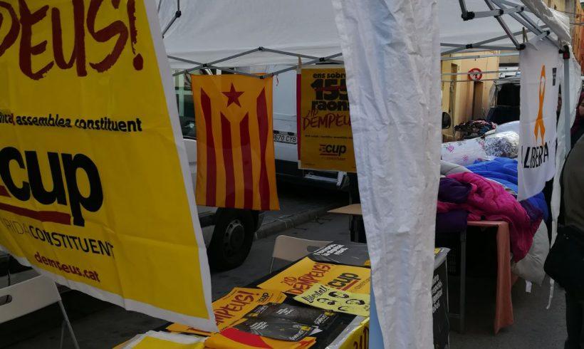 NOTÍCIA   #Dempeus: La CUP centra la seva campanya en la mobilització popular de l'1 d'octubre